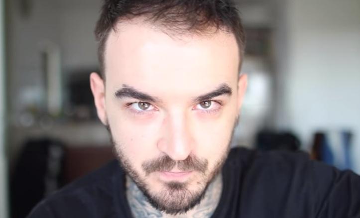 Youtuber PC Siqueira tem sofrido pressão por ser calvo